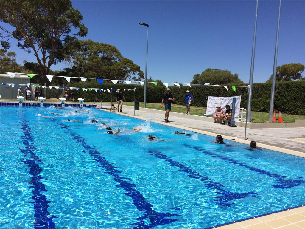 Image gallery albums shire of quairading for Rocky mountain house swimming pool schedule
